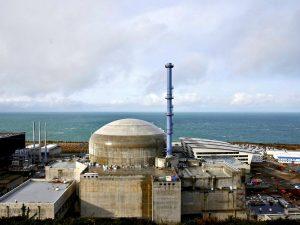 Во Франции проведут внеплановую проверку АЭС после взрыва