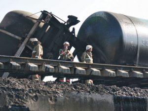 Крушение поезда с сырой нефтью в США