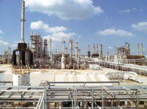 Иранским НПЗ увеличена мощность по производству бензина до 12 млн л в день