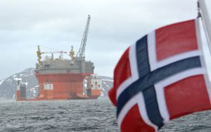 Норвежские нефтяники бастуют после неудачных переговоров о повышении зарплат
