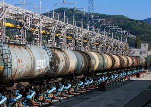Азербайджан в нынешнем году нарастил декларированный экспорт нефтепродуктов на более чем 32%