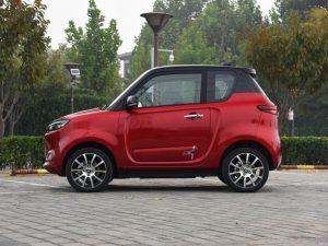 В КНР продажи автомашин на новых источниках энергии увеличились в 1,9 раза