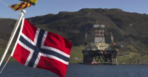 Добыча жидких углеводородов в Норвегии в сентябре снизилась на 14%