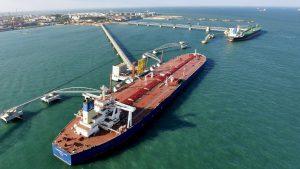 Кувейт приостановил нефтяной экспорт в Соединенные Штаты – впервые за 25 лет