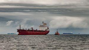 КНР активно приобретает более дешевую тяжелую нефть из Канады