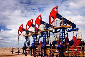 Россия в августе вновь на II-м месте по нефтедобыче в мире после США