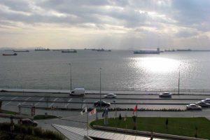В Босфоре выстроились самые длинные с 2014 года очереди из танкеров