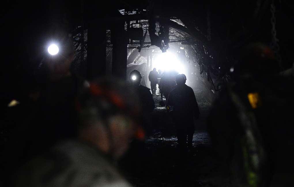 Горнорабочих завалило из-за выброса метана и угля на шахте в Кузбассе, есть погибший