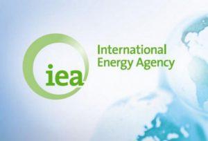 IEA: Рост спроса на нефть в мире в этом году будет снижаться из-за замедления роста экономик