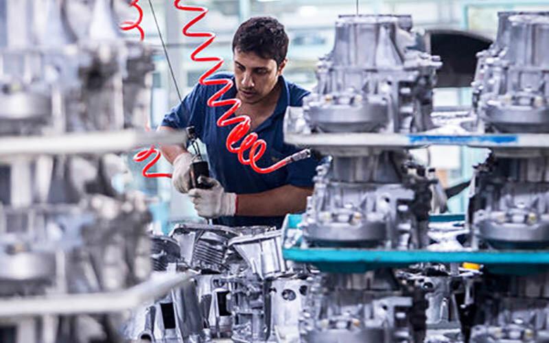 Почти половину оборудования, используемого промышленностью Ирана, производят внутри страны