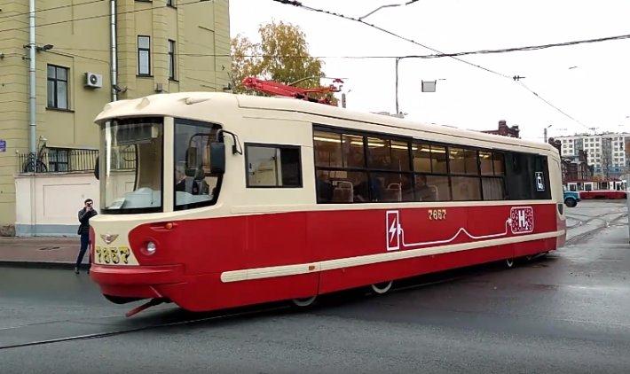 Первый в России трамвай на водородных топливных элементах проехал по Петербургу