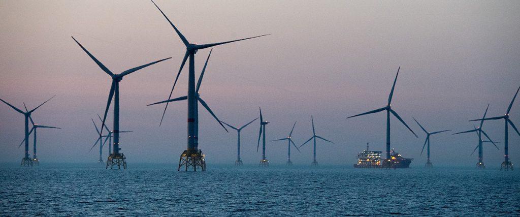 Китайская энергетическая госкомпания начала проекты по возобновляемой энергетике на сумму $8,3 млрд