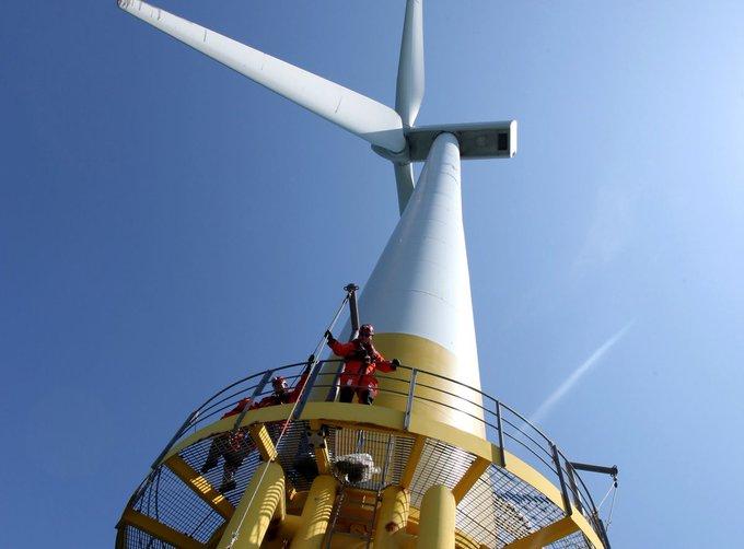 Французский нефтяной гигант «Total» нанимает команду для проектов морских ветроустановок