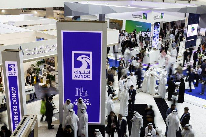ОАЭ присоединяются к ценовой войне, планируя увеличить добычу нефти