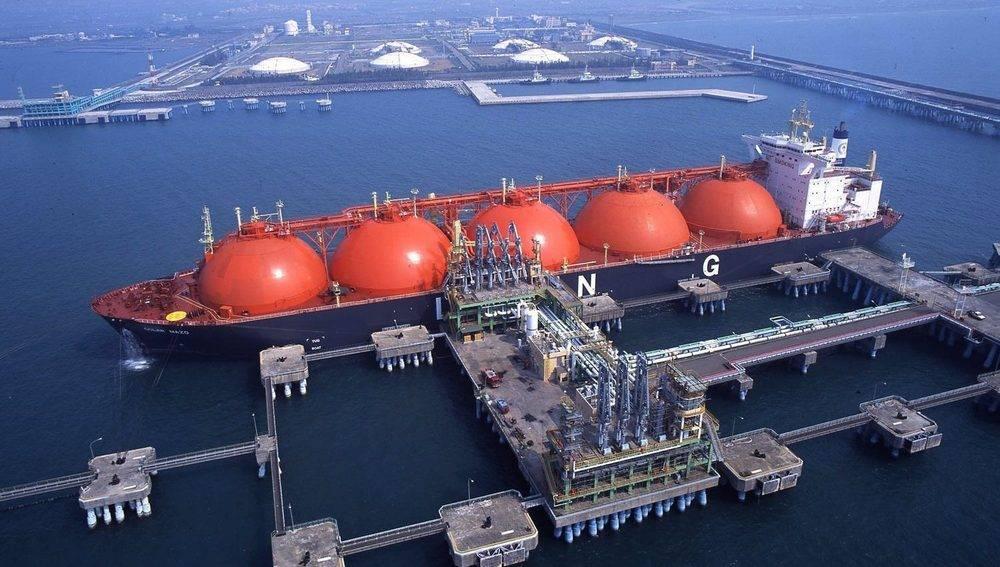Проекты СПГ в опасности, поскольку нефтяной крах — это обоюдоострый меч
