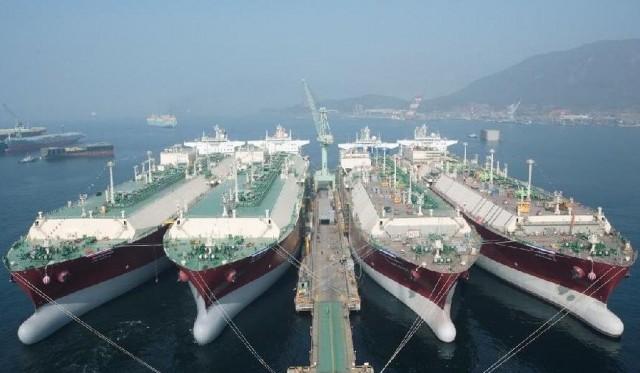 Саудовской судоходной «Bahri» приостановлены планы по фрахту 12 СПГ-танкеров