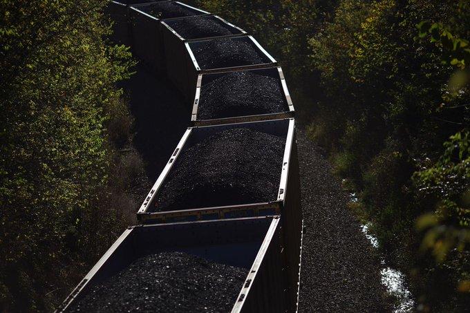 Впервые с 19-го века в США возобновляемая энергетика дала больше энергии, чем уголь