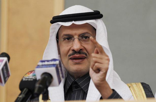 Саудовская Аравия грозит ценовой войной на нефтяном рынке из-за неисполнения обязательств